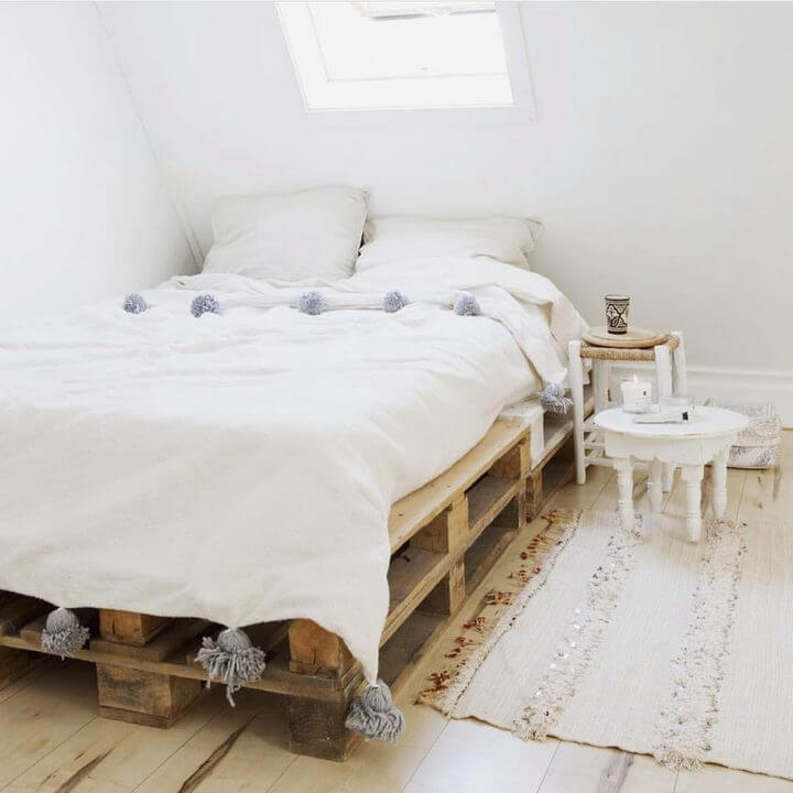 DIY Pallet Bed Ideas and Project